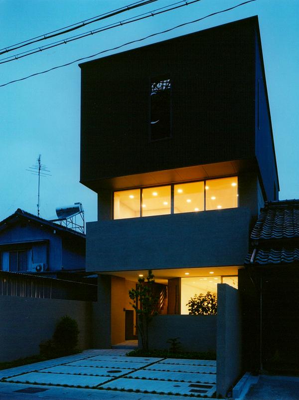 白菊町の家